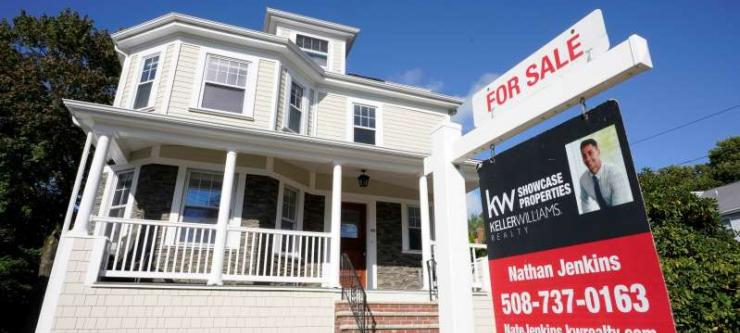 Mortgage rates fall for the first time in 3 weeks, but demand is still light