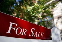 Home buyers rush back out even as sellers stay on sidelines